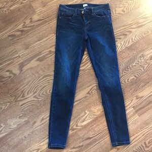 Sneak peek jeans